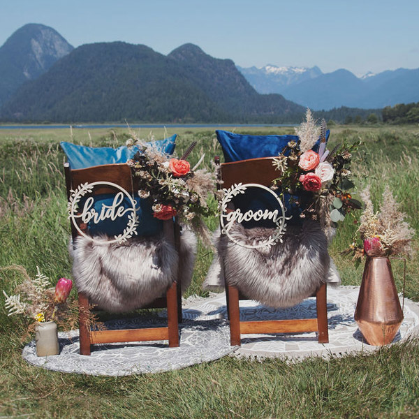 Bride-and-Groom-Chair-signs-in-wreath-2_Square-600