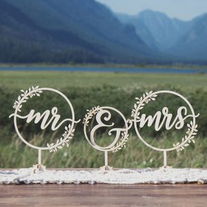 Rustic Mr and Mrs Wedding Decor