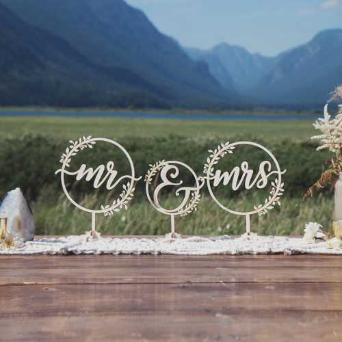 Mr and Mrs rustic table signs